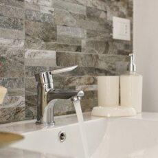 Запушванията на каналите в банята